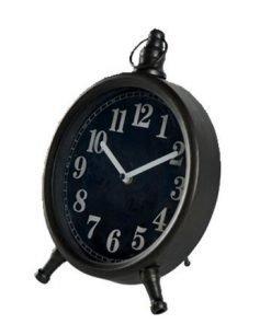 Kello seinälle tai pöydälle