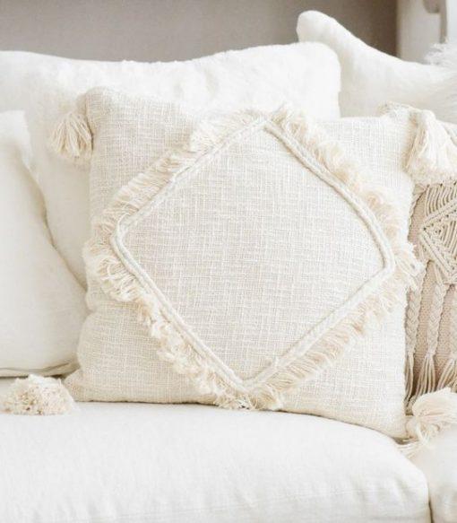 Tyynynpäällinen hapsuilla, 45x45 cm