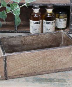 Uniikki laatikko ('tiilimuotti')